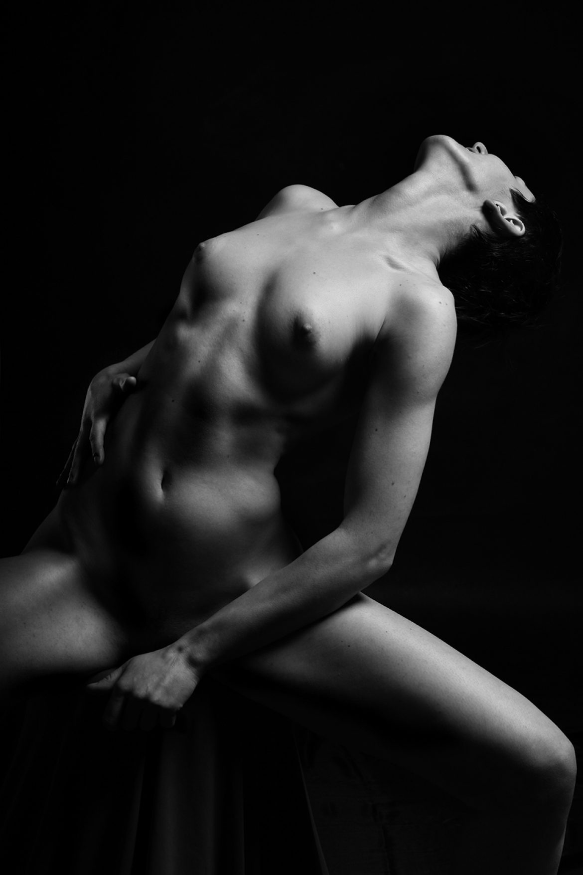 nude passionate girl